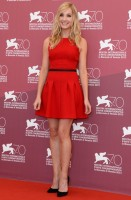 joanne froggatt - camilla and marc resort 2014 (scarpe e clutch christian louboutin)