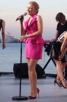 kylie_minogue_live_grand_journal_cannes_20_mai_2014