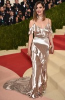 rose byrne - ralph lauren collection (clutch jimmy choo e gioielli cartier)