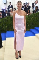 gwyneth-paltrow-calvin-klein-by-appointment-gioielli-harry-winston