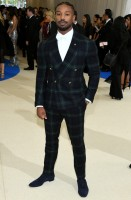 michael-b-jordan-ralph-lauren-purple-label-scarpe-christian-louboutin